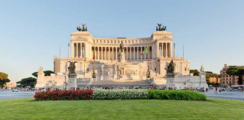 достопримечательности Рима, площадь венеции, витториано