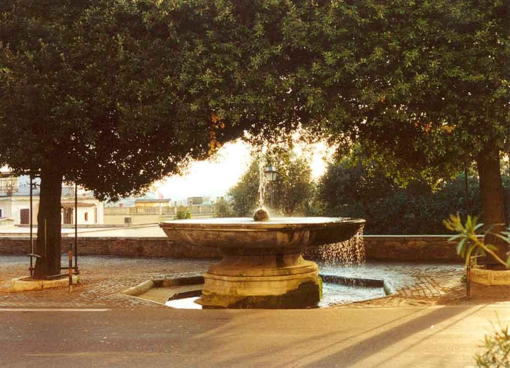 Фонтан Пушечное ядро, Рим фонтаны