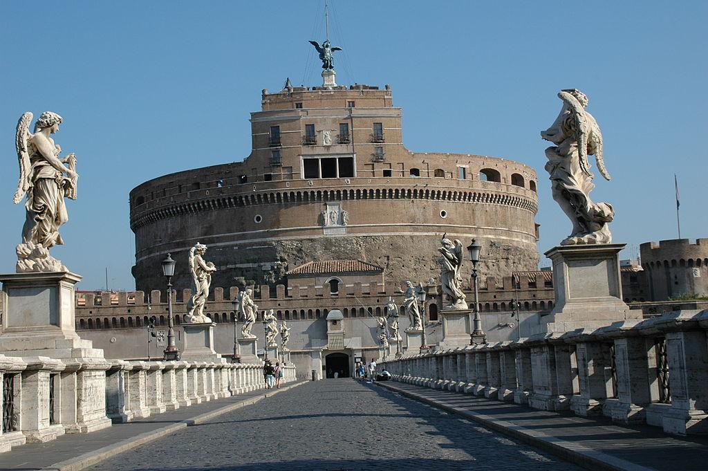 главные достопримечательности Рима вечный город что посмотреть куда сходить история рима мавзолей адриана замок кастель святого ангела сант анджело мост ангелов в риме