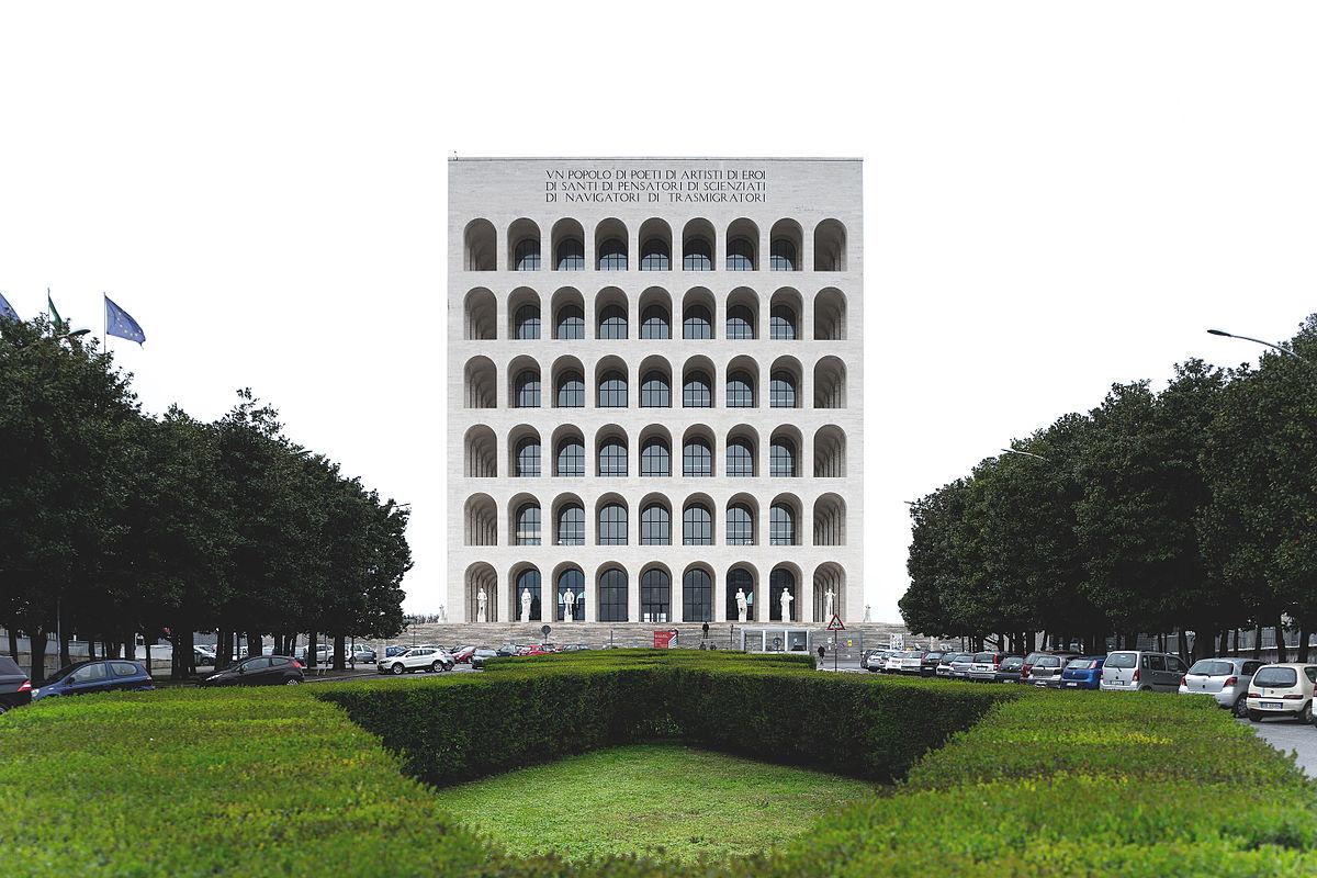 главные достопримечательности Рима вечный город что посмотреть куда сходить история рима дворец итальянской цивилизации эур eur новый район квартал рима современный рим квадратный колизей палаццо делла чивилта