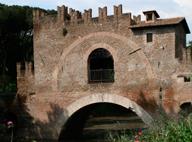 Древнейший в Риме мост стал никому не нужной заброшенной достопримечательностью