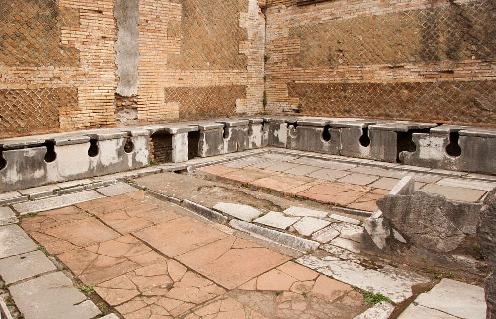 туалеты канализация Древний Рим древнеримские уборные туалеты общественные Остия Антика