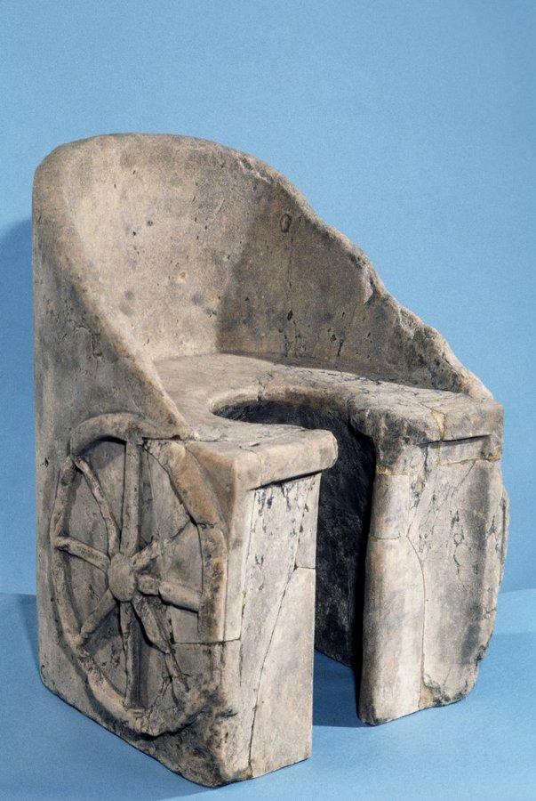 туалеты канализация Древний Рим древнеримские уборные туалеты общественные