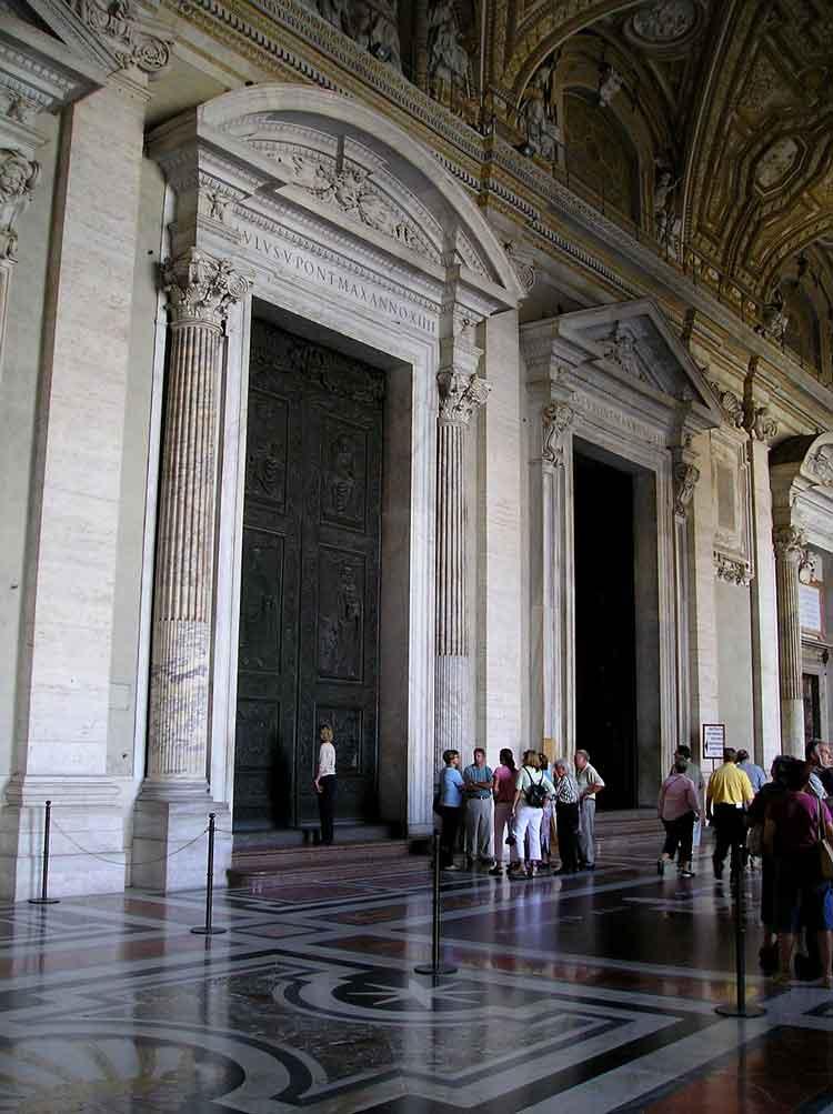 врата_таинств , Porta_dei_Sacramenti , венанцо_крочетти , собор_святого_петра_рим , San_Pietro_in_Vaticano ,