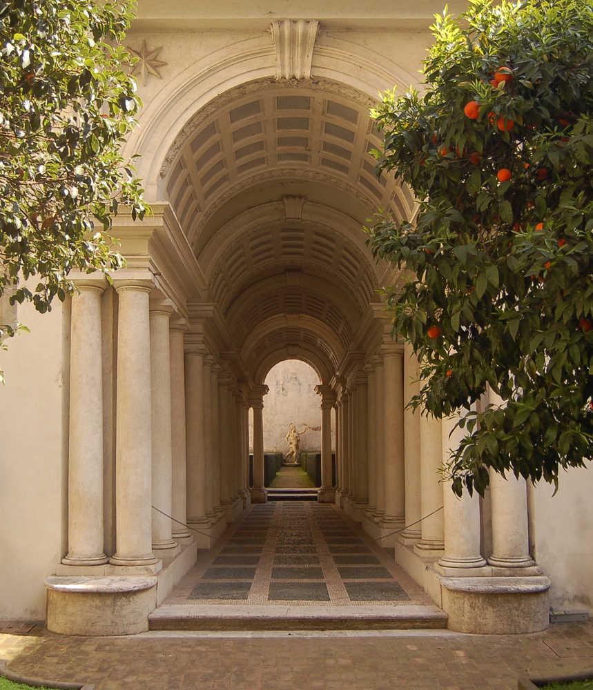 Галерея палаццо дворец спада в риме перспектива обман зрения оптические иллюзии франческо борромини