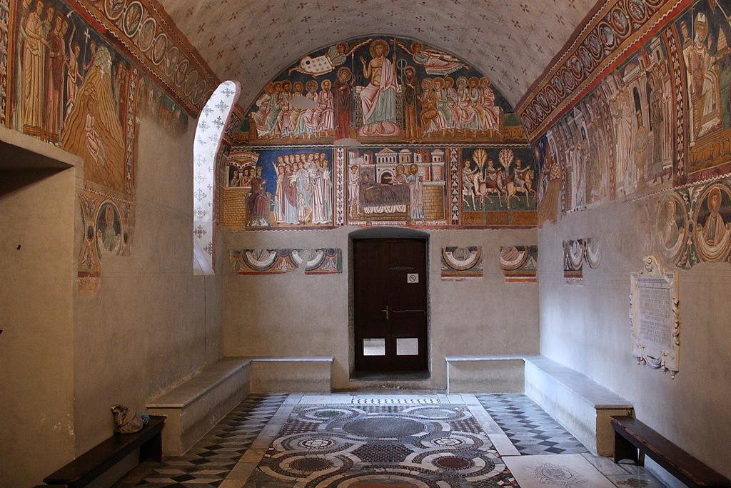 базилики храмы рима санти куаттро коронати четырех увенчаных венценосных коронованых мучеников капелла сан святого сильвестра