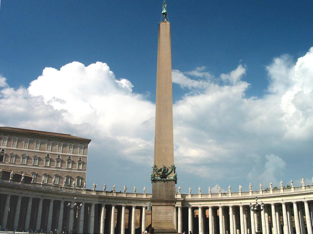 достопримечательность ватикана фото древний египетский обелиск площадь святого петра