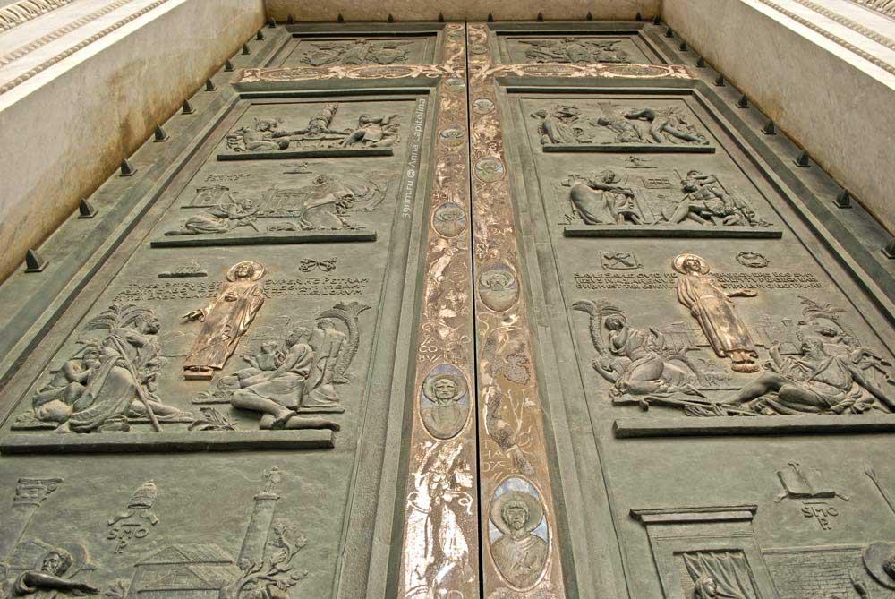 бронзовая дверь, взодной порта базилика сан паоло рим