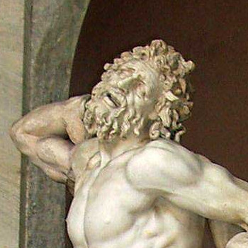Обелиск на площади Святого Петра в Ватикане