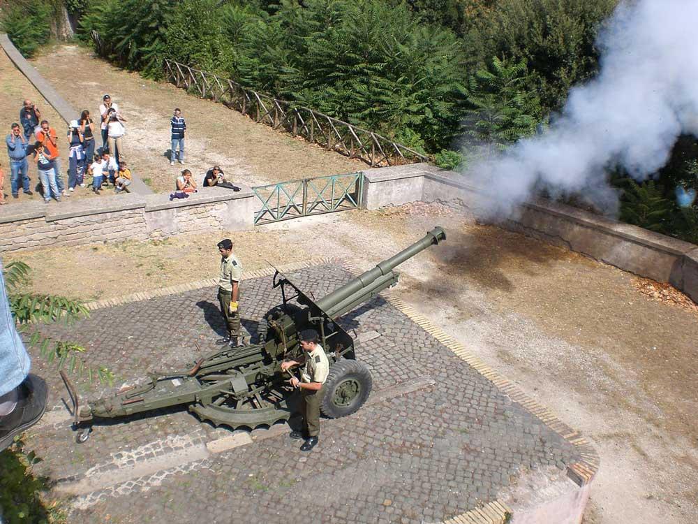 Пушка, Яникул, Полдень в Риме, Gianicolo