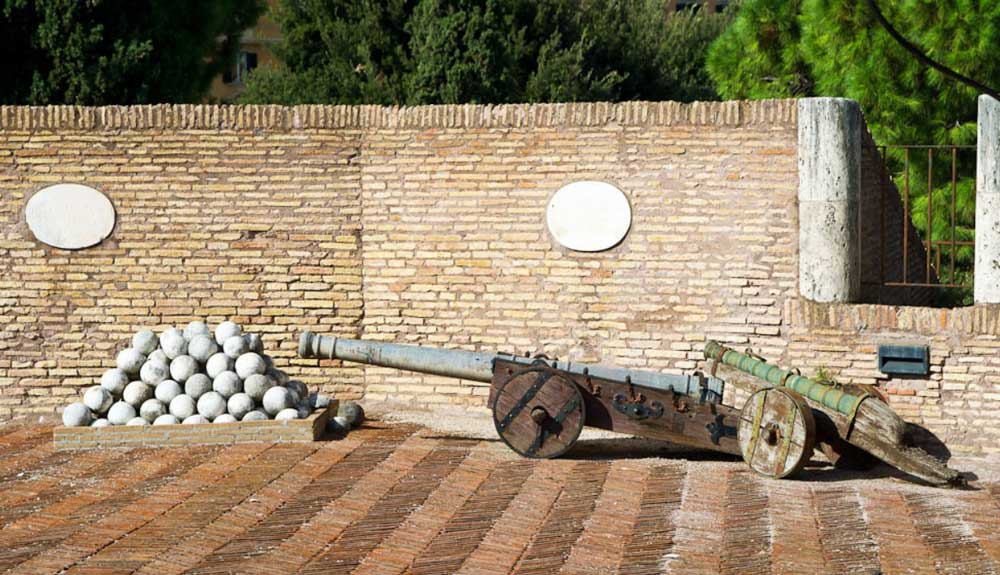 Сант Анджело, пушка, Sant Angelo