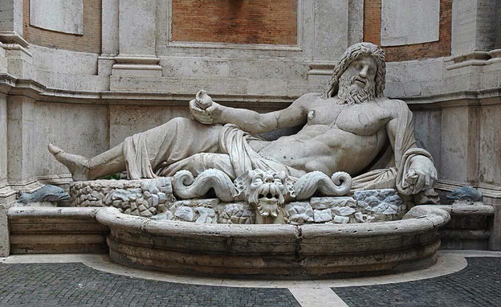 говоряая статуя фонтан морфорио в капитолийских музеях
