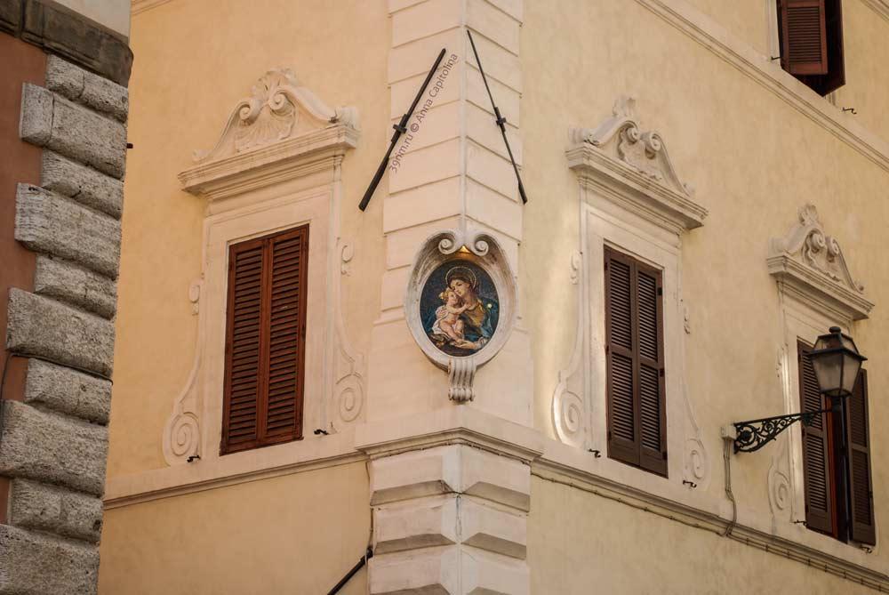 Мадонны Рима, madonnele