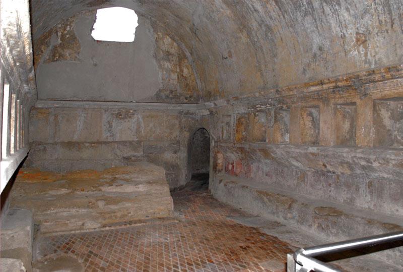 римские бани раздевака