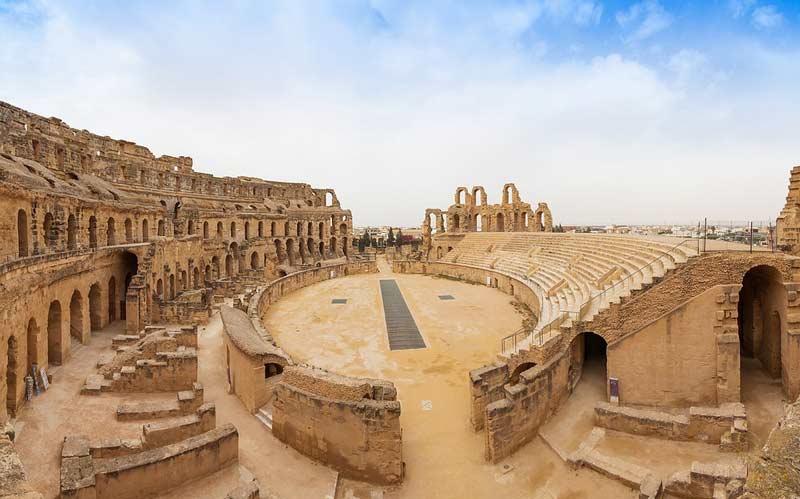 руины римского амфитеатра в Эль-Джем