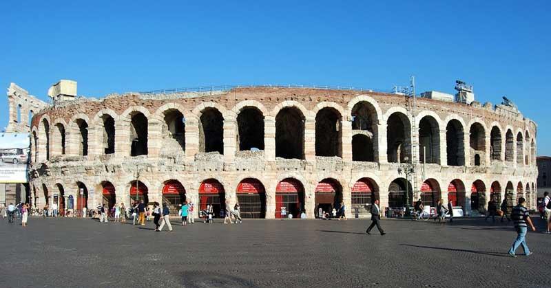 Римский амфитеатр арена ди Верона