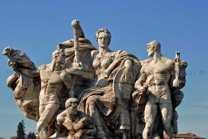 Мост Виктора Эммануила II в Риме скульптура