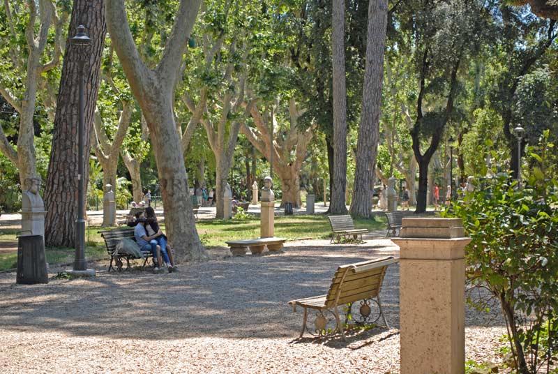 Аллея парка пинчо в риме
