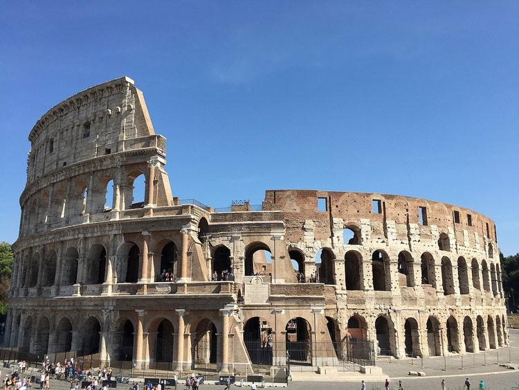 Колизей , амфитеатр флавиев